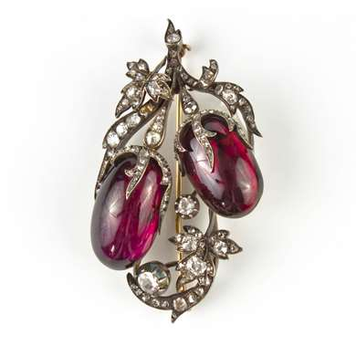 Gold, diamond and garnet brooch