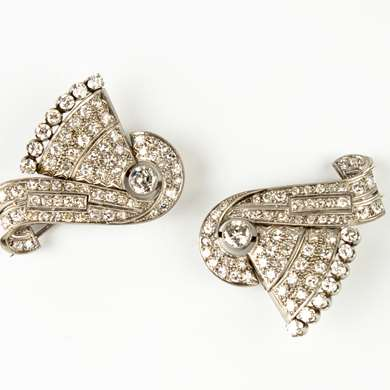 Art Deco platinum diamonds clip brooch
