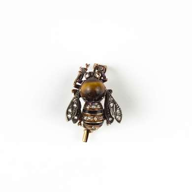 Bee brooch with tiger eye and diamonds