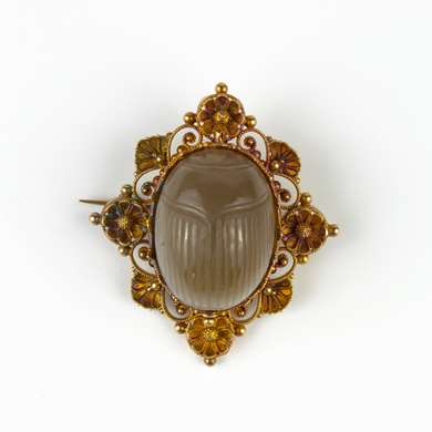 Archeological revival gold and calcedony brooch