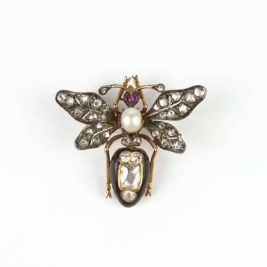 Gold, diamonds and onyx fly brooch