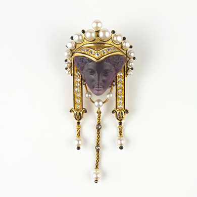 Neo Renaissance gold amethyst cameo pearls and diamonds pendant