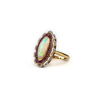 Opal cabochon  ring, ruby ​​and diamonds