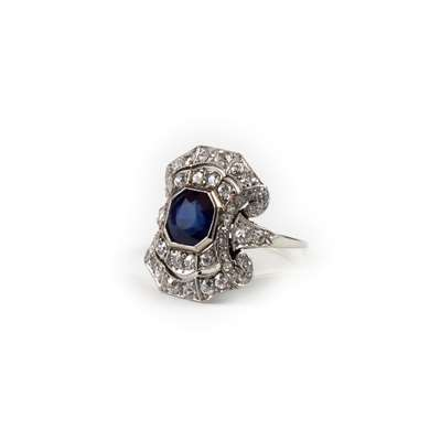 Art Déco gold sapphire and diamonds ring