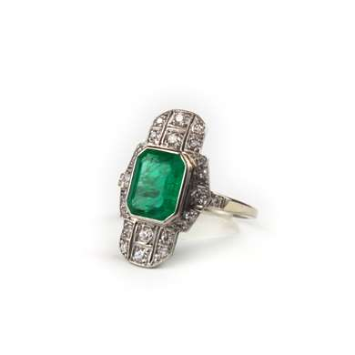 Art Deco platinum emerald and diamond ring