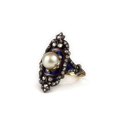 Pearl diamond and enamel ring