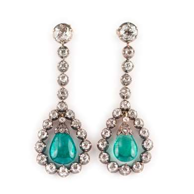 Emerald and diamond pendent earring