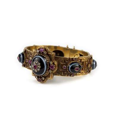 Renaissance Revival agate, rubis and diamant gold bracelet