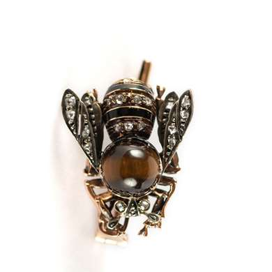 Late Victorian bee brooch