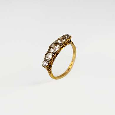 Yellow gold ring set with 5 diamonds old size