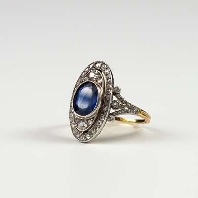 diamonds and sapphire gold ring